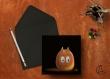 Carte postale «totoro» illustrée d'un personnage inspiré des noiraudes et du film d'animation totoro
