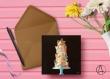 Carte postale «pièce montée » illustrée d'une pièce montée de mariage ou de baptème couleur pastel sur fond noir