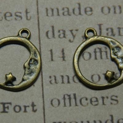 2 breloques filet de lune et étoile en métal couleur bronze 21x18mm