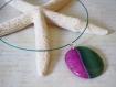 Collier ras de cou et son pendentif en agate vert et rose, bijou ultra féminin et chic