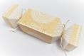 Boite à dragées forme bonbon, thème dentelle, kraft et blanc. boite dragée baptême, communion, mariage personnalisable
