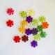 20 perles synthétiques fleur plates multicolores / diamètre 20 mm