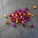 7 perles synthétiques cubes 6 x 6 mm - mix orange et rose vif