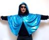 Cape noire et bleue électrique, courte, à capuche, réversible, unique pour vous!