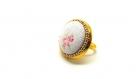 Bague cabochon tissus fleuri et petits pois ,perles de verre dorées