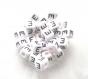Lot de 10 perles 10mm blanche  e acrylique lettre alphabet