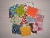 Lot de 16 mini lingettes 7 cm x 7 cm carrés démaquillants coton et éponge