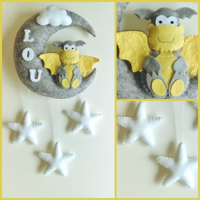 Mobile bébé à personnaliser pour décoration de chambre d'enfant . mobile dragon en feutrine fait main pour fille ou garçon lune et étoiles