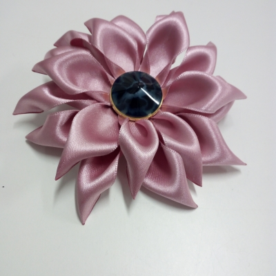 Broche kanzashi hana rose