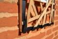Cadre photo, cadre décoratif, contemporain et original, châssis décoré avec des baguettes en bois, travail du bois fait main, décoration murale