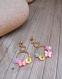 Boucles d'oreille, couronne fleurie, crocheté main, rose clair