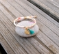 Bracelet enfant, tissu liberty adelajda soleil, petit lapin or fin et pompon turquoise