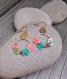 Boucles d'oreille, couronne fleurie, crochet, couleur rouge
