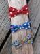 Noeud papillon pour enfant, tissu bleu à étoiles colorées