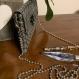 Pochette cuir végan motif geométrique - argent