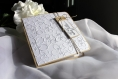 Faire-part naissance - fleurs blanches