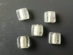 5 perles blanches transparentes