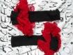 Mitaine manchette noire et en dentelle rouge