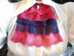 Jabot en dentelles rose/bleu avec pendentif