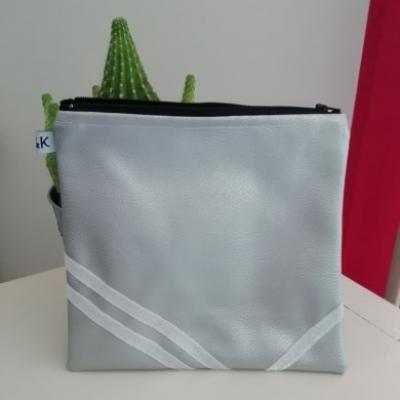 pochette - trousse - sac à main