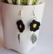 Boucles d'oreille fleur noire au crochet