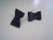 Boucles d'oreilles noeuds de cuir noirs, cadeau original.