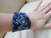 Boucles d'oreilles fleurs de cuir bleues, style vintage.