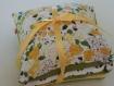 3 coussins de lavande attaches par un ruban satine jaune