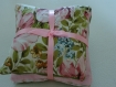 3 coussins de lavande attaches par un ruban satine rose