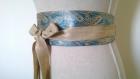 Ceinture style obi en soie brochée or et turquoise , réversible en lin doré à nouer , taille unique réglable