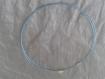 1 collier tour de cou bleu