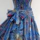 Robe bustier en coton bleu et multicolore motifs grand paisley, top smocké , jupe 45 pans
