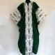 Tunique longue kaftan en coton blanc et vert à motifs ikat