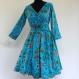 Robe courte cache coeur en coton léger turquoise imprimé paradise
