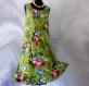 Robe trapèze verte à fleurs sans manches en coton imprimé shalimar