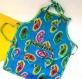 Tablier de cuisine enfant bleu vif et jaune en coton motifs paisley