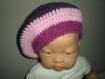 Béret bébé fille au crochet trois couleurs