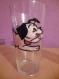 Verre a eau avec un chien en peinture sur verre possibiliter de graver un prenom