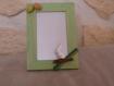 Cadre photo en bois peint en vert avec des oeufs et lapin pour paques
