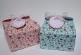 Boîte à gâteaux liberty en couleurs rose ou bleue avec étiquette personnalisable