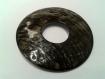 Connecteur anneau nacre gris pâle irisé marron diamètre 6 cm