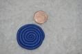 Spirale en pâte fimo bleu pailleter