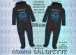 Combinaison 6.9 m avec capuche noir texte au choix (ideal cadeau, jumeau, naissance..)