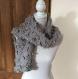 Écharpe fantaisie . laine grise fait main