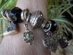 Bracelet grosses perles métal argenté et noir à facettes