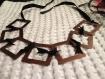 Collier métal carré couleur cuivre et ruban noir