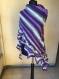 Grand châle multicolore tricote à la main