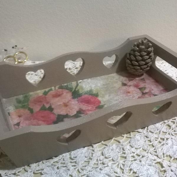 Petit plateau fleuri au style romantique : maison-et-deco-service-de ...