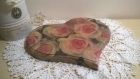 Dessous de plat en bois en forme de cœur