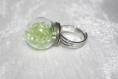 Bague boule en verre et perles rocailles vertes